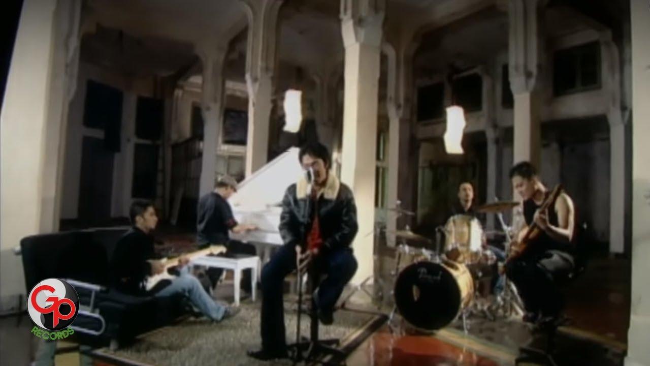 Download Ada Band - Masih (sahabatku, kekasihku) (Official Music Video) MP3 Gratis