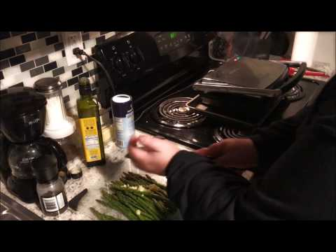 Fast Steak and Asparagus on Panini Press