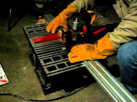 Cutting 8020 Aluminum Extrusions.avi