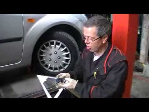 MOT -  Checking tyres ◄◄