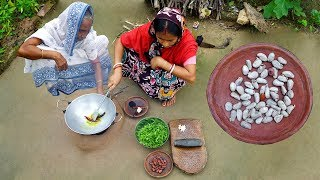 Kathaler Bij Diye Data Shag Bata in Village Style Prepared by Grandmother & Mother