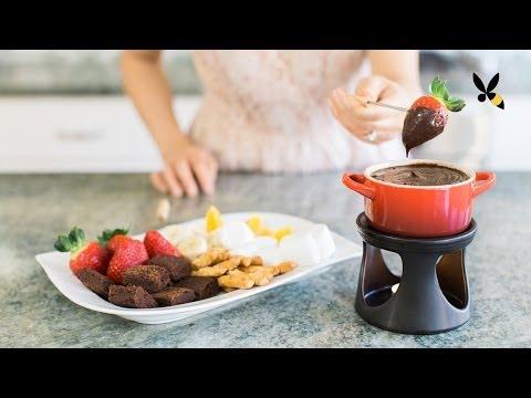 Chocolate Fondue Recipe and Tips - HoneysuckleCatering