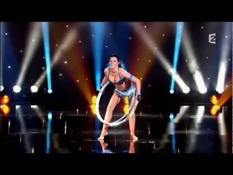 Sexiest Performer - Alla Klyshta - Hula Hoop - Le Plus Grand Cabare Du Monde