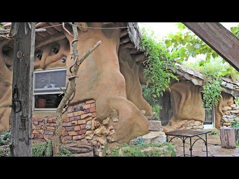 Kyle's Crazy House: Earthen Plaster on the Gnestle