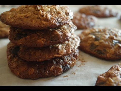 OATMEAL CHOCOLATE CHIP COOKIES RECIPE | EM'S BAKING