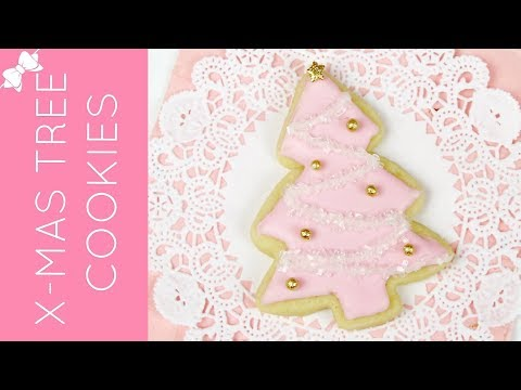 How To Decorate Easy Christmas Tree Cut Out Sugar Cookies // Lindsay Ann Bakes