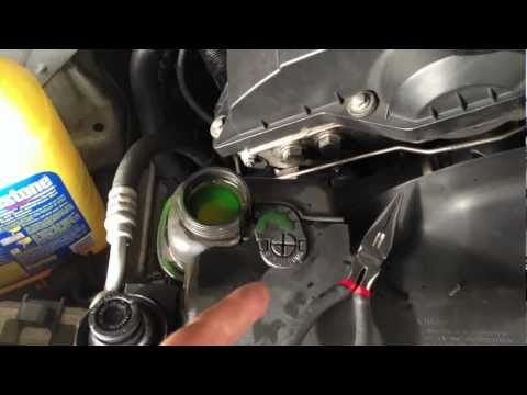 HOW TO Remove Air Bubbles From Your Radiator/Engine Block 97-03 BMW 5-SERIES E39 528I 540I M5 M52