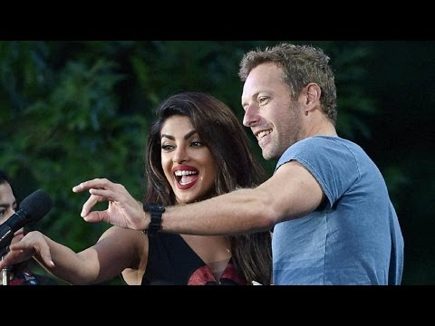 Coldplay, Jay Z Rock, AR Rahman, Demi Lovato at the Red Carpet of Global Citizen India 2016 Concert