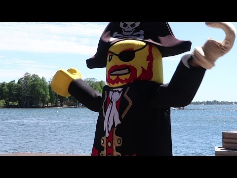 An Awesome Trip To Legoland Florida & Checking Out The Pirate Lego Ski Show!