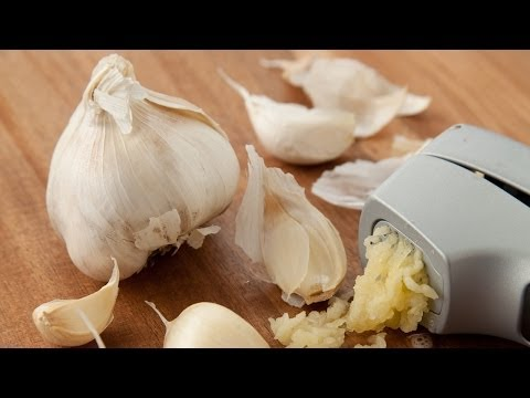 Removing Garlic and Onion Smell From Hands | Ask the Expert