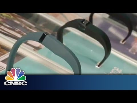 Fitibit to Track Your Heart | Mobile World Congress | CNBC International