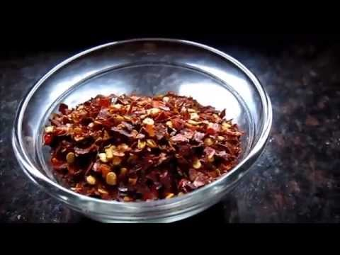 HOMEMADE RED CHILLI FLAKES