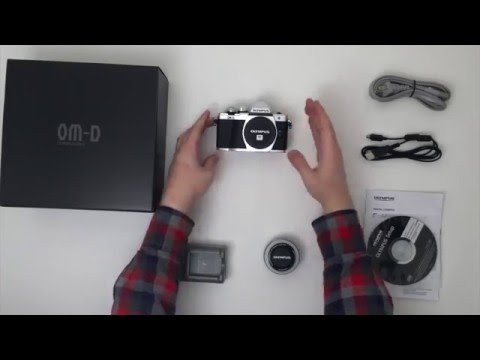 Unboxing the Olympus OM-D EM-10 Mark II with 14-42mm Lens