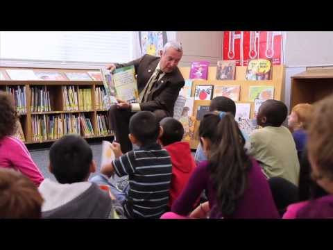 When teachers help one struggling reader, the whole class succeeds