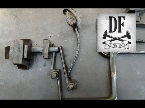 Blacksmithing Project - A Simple Nuremberg Box 12