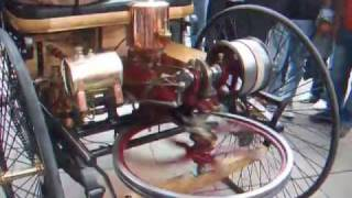 The first car ever running live! The Benz Motorwagen (1885)