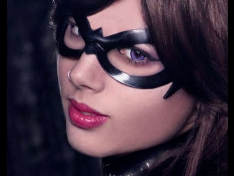 Last Minute DIY Halloween Batgirl Costume