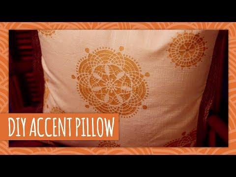 DIY Accent Pillow - HGTV Handmade