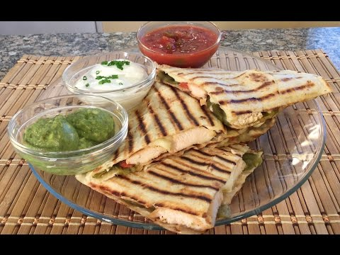 How To Make Quesadilla Mexican Food Recipes Chicken Green Chile Cheese Quesadillas