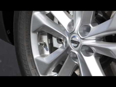 2014 Nissan Rogue - Tire Pressure Monitoring System (TPMS) with Easy Fill Tire Alert