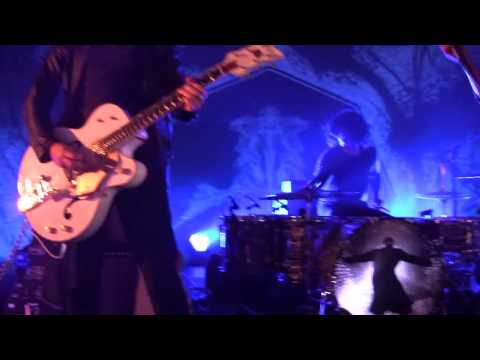 The Dead Weather - 60 Feet Tall (Rare Video)