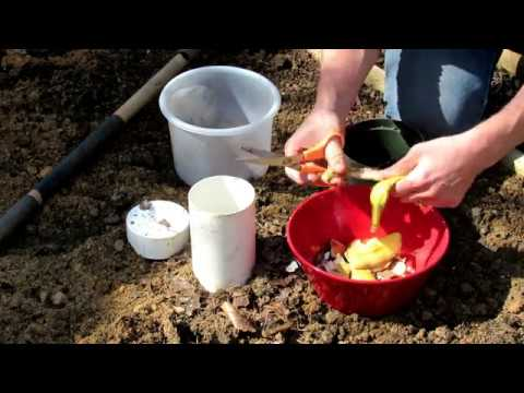 How to Build a Garden Bed Composting & Deep Watering Hole: Sustainable Gardening - DIY Ep-6
