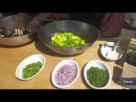 How to make Chipotle guacamole