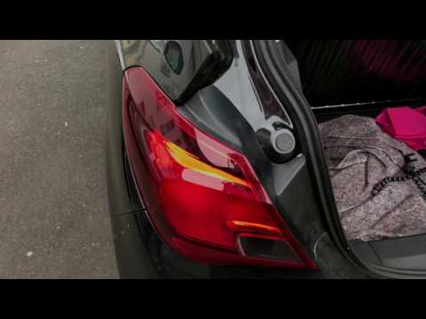 How to replace bulb back light change Brake light disassembly turn signal Assembly Vauxhall Corsa