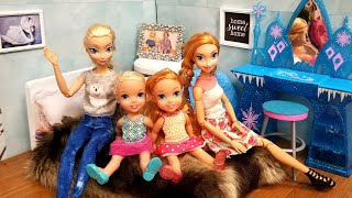 House Redecorating ! Elsa and Anna toddlers - family pictures - new furniture - photos