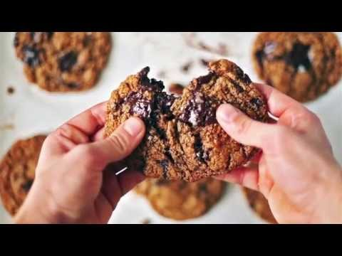 The Best Flourless Chewy Chocolate Chunk Cookies