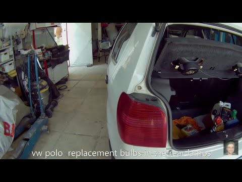 Volkswagen Polo ( 1994–2003 )How to replace rear tai light