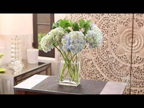 7 Steps to Make Your Hydrangeas Last Longer | Style Me Pretty