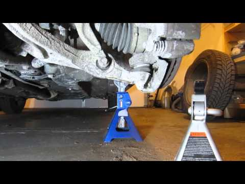 Checking for Play In Lower Ball Joint, Honda Accord 2007