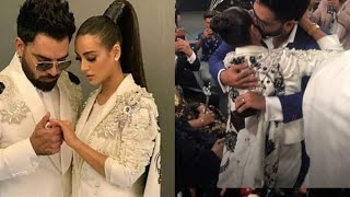 Yasir Hussain proposes Iqra Aziz at Lux Style Awards 2019