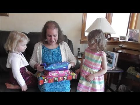 4-21-18 Daddy and Kids Prepare for Mommy's Birthday