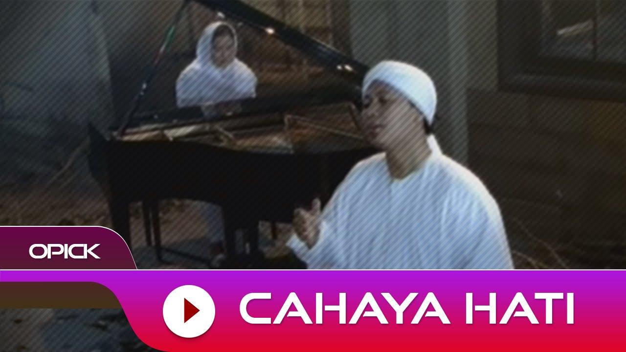 Download Opick - Cahaya Hati MP3 Gratis