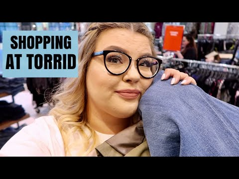 Shopping at Torrid & Seeing Fifty Shades | Weekly Vlog #8