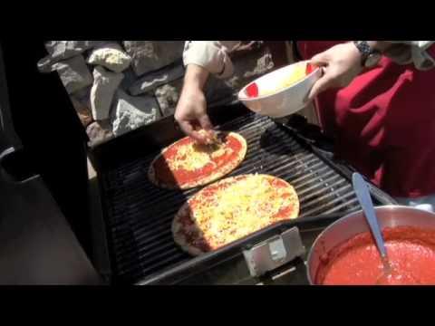 Throw a Boboli Pizzaque!