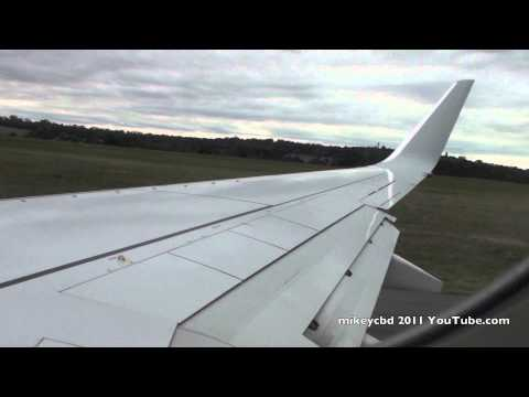 Brand New Boeing 737-838 Qantas VH-VZM Take Off Melbourne to BNE 05AUG11