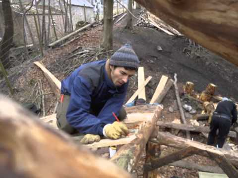 Building a simple wood and cobwood roundhouse