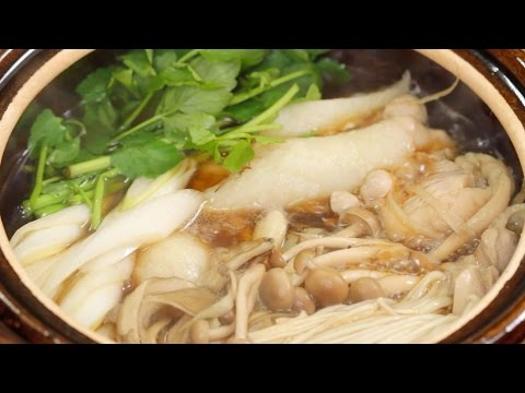Kiritanpo Nabe Recipe (Chicken Hot Pot with Pounded Rice in Akita Prefecture) | Cooking with Dog
