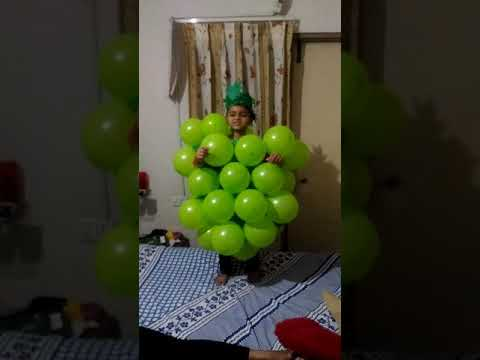 Fancy dress competition_ grapes dress up_Het