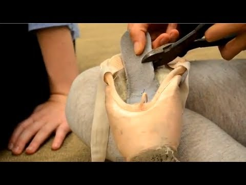 Pointe Shoe Tip : How to 3/4 Shank Your Shoes
