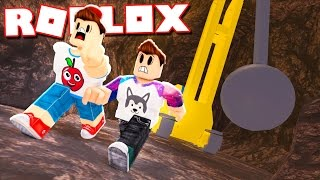 ALEX & CORL SURVIVE A WRECKING BALL IN ROBLOX!