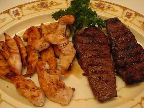 Betty's Garlic Grilled New York Strip Steak