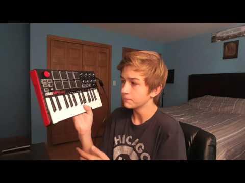 REVIEW AND TUTORIAL OF THE: AKAI MPK mini MIDI CONTROLLER