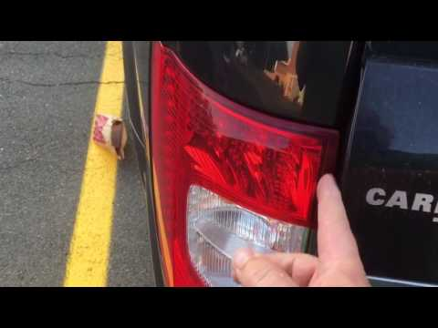 2011 Chrysler Town & Country liftgate failing