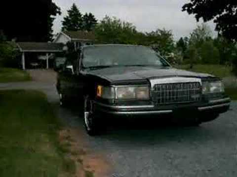 96 Lincoln Town Car Doing A 3wheel Lowrider Video Download