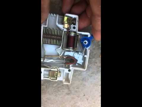 How does a Simple MCB circuit breaker works ?