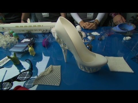 3D printing buttons, jewelry and shoes